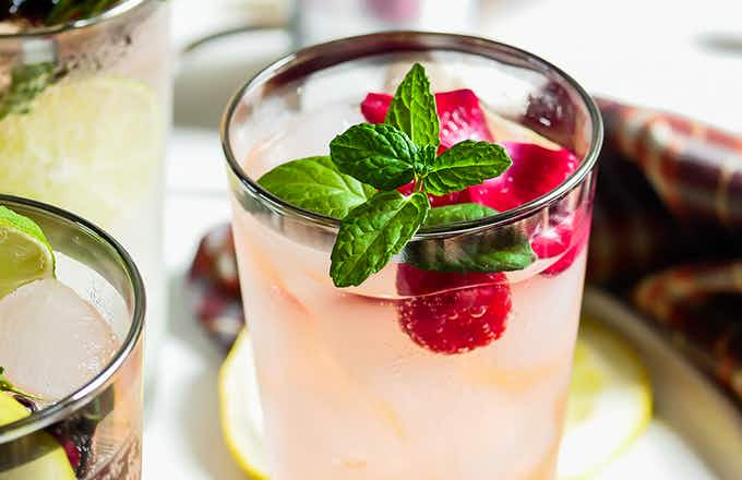 Smirnoff Seltzer Raspberry Rosé and Gin